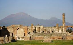 O Vesúvio e ruínas Imagens de Stock Royalty Free