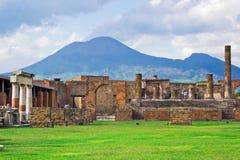 O Vesúvio e Pompeii Fotos de Stock