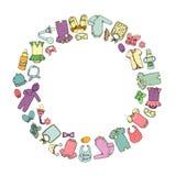 O vetor coloriu a ilustração da roupa e dos acessórios do bebê moldados no círculo ilustração royalty free