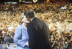 O vice-presidente anterior Al Gore entrega o discurso de aceitação nas 2000 convenções Democráticas em Staples Center, Los Angele Foto de Stock