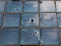 O vidro racha as lascas quebradas Fotos de Stock