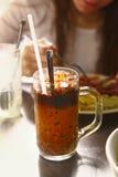 O vietnamita congelou o café com leite imagens de stock
