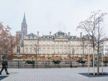 O vigipirate da polícia armou os oficiais que surveilling ruas de Strasbourg imagem de stock