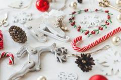 O vintage acolhedor tonificou a composição do Natal dos feriados de inverno Fotos de Stock