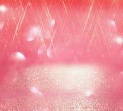 O vintage do brilho ilumina o fundo prata clara, e rosa defocused imagens de stock