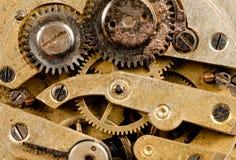 O vintage oxidou rodas denteadas das engrenagens do movimento da parte do tempo de Pocketwatch do relógio Imagem de Stock