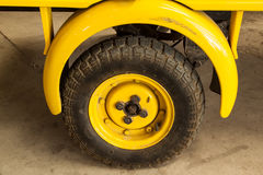O vintage roda carros fotos de stock royalty free