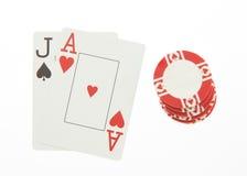 O vinte-e-um de Jack e de ás entrega cartões com a microplaqueta no branco Fotografia de Stock Royalty Free