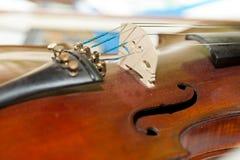 O violino velho com contagem Imagem de Stock