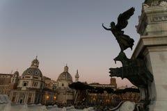 O Vittoriale na praça Venezia fotos de stock royalty free