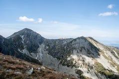 O vrch de Pachola, de Spalena e de Sivy com Ostra repica no fundo na cordilheira de Zapadne Tatry em Eslováquia Imagem de Stock