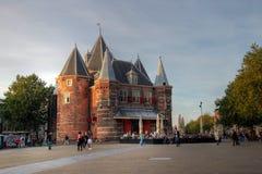 O Waag, Amsterdão, os Países Baixos foto de stock royalty free