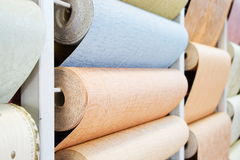 O Wall-paper está em uma loja Imagens de Stock Royalty Free