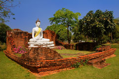 O Wihan da tonelada de Wat Pho Kao, Sing Buri, Tailândia fotos de stock royalty free