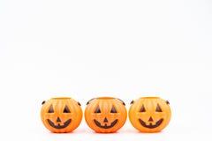 O& x27 de Jack; plástico del pumpkinhead de la linterna en el fondo blanco usado para Imágenes de archivo libres de regalías
