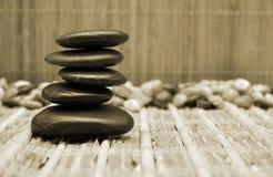 O zen apedreja o sepia Fotografia de Stock Royalty Free