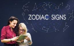O zodíaco assina o conceito astrológico astral do calendário do nascimento fotografia de stock royalty free