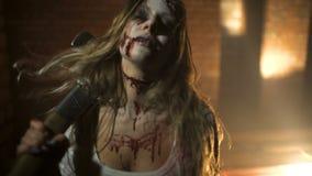 O zombi vai à câmera filme