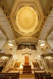 Oakland Kalifornia, Wrzesień, - 30, 2018: Wnętrze Świątynnej Synaj reformy Żydowska synagoga obrazy royalty free