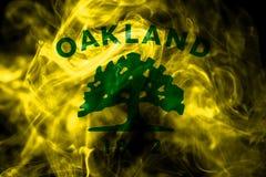Oakland miasta dymu flaga, Kalifornia stan, Stany Zjednoczone Amer royalty ilustracja