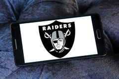 Oakland Raiders american football team logo. Logo of Oakland Raiders american football team on samsung mobile. The Oakland Raiders are a professional American Stock Photos