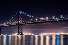 Oakland-Schacht-Brücke nachts Stockfoto