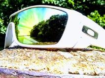 Oakley cienie z scenicznym widokiem obraz royalty free