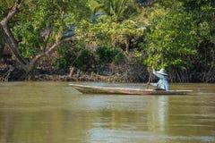 Oarsman на реке, Таиланде Стоковая Фотография RF
