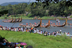 Oarsmen wearing traditional kerala dress row thier snake boat in the Aranmula boat race Royalty Free Stock Photography