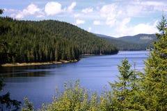 Oasa sjö, Carpathians Montains, Rumänien royaltyfri bild