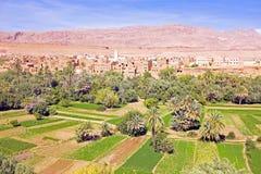 Oasis en el valle del dade en Marruecos África Foto de archivo