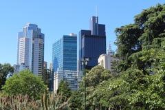 Oasis verte au milieu de la ville à Melbourne image libre de droits