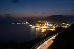 Oastal dorp Ð ¡ bij nacht Stock Afbeeldingen