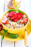 Oat porridge with honey Royalty Free Stock Photography