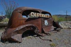 Oatman Arizona, USA, April 18, 2017: Gammal bil på Route 66 Arkivfoto