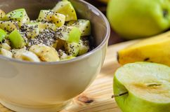 Oatmeal με την μπανάνα και την πράσινη Apple Στοκ φωτογραφίες με δικαίωμα ελεύθερης χρήσης