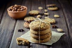 Oatmeal μπισκότα με τα καρύδια Στοκ Εικόνα
