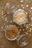 Ψημένα σιτάρια και Oatmeal βρωμών Στοκ Φωτογραφία