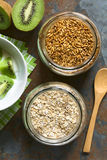 Ψημένα σιτάρια και Oatmeal βρωμών Στοκ εικόνες με δικαίωμα ελεύθερης χρήσης
