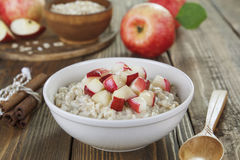 Oatmeal with caramelized apples Royalty Free Stock Images