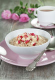 Oatmeal with caramelized apples Royalty Free Stock Photography