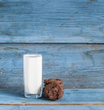 Oatmeal cookies and a glass of milk Stock Photography