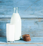 Oatmeal cookies and a glass of milk Royalty Free Stock Image