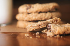 Oatmeal cookies with milk Royalty Free Stock Photos