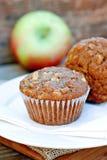 Oatmeal jabłczani Muffins Zdjęcia Stock