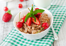 Oatmeal porridge with berries Royalty Free Stock Photography