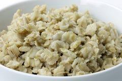 Oatmeal w Białym pucharu zbliżeniu Zdjęcie Stock