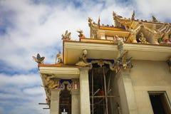 Oavslutad thailändsk tempel. Fotografering för Bildbyråer