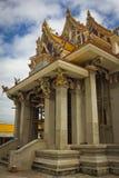 Oavslutad thailändsk tempel. Royaltyfri Bild