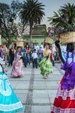 OAXACA DE JUARES, MEXICO, 09 APRIL 2016: Mexicanska unga dansare Royaltyfri Fotografi
